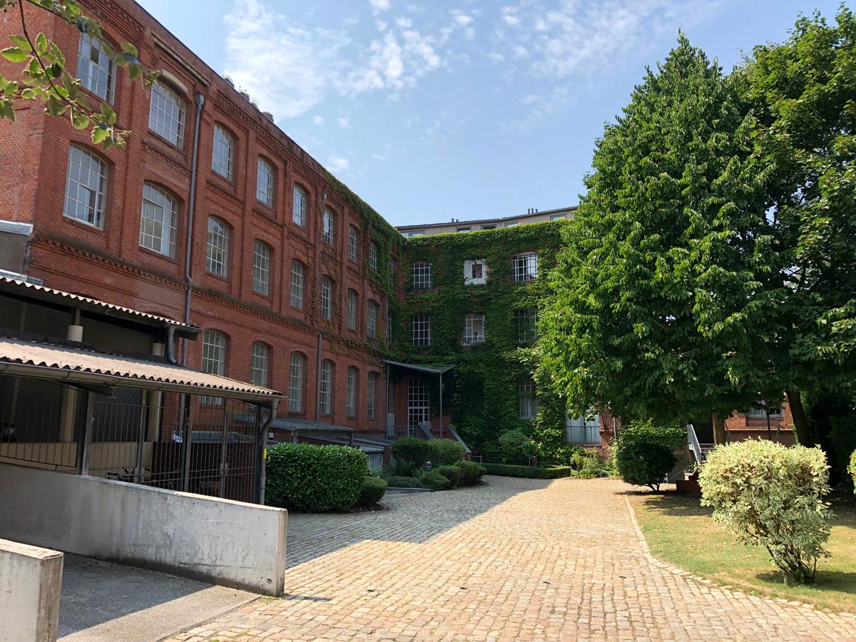 Hamburg Papenstrasse / Wohnen und Arbeiten in der Fabrik