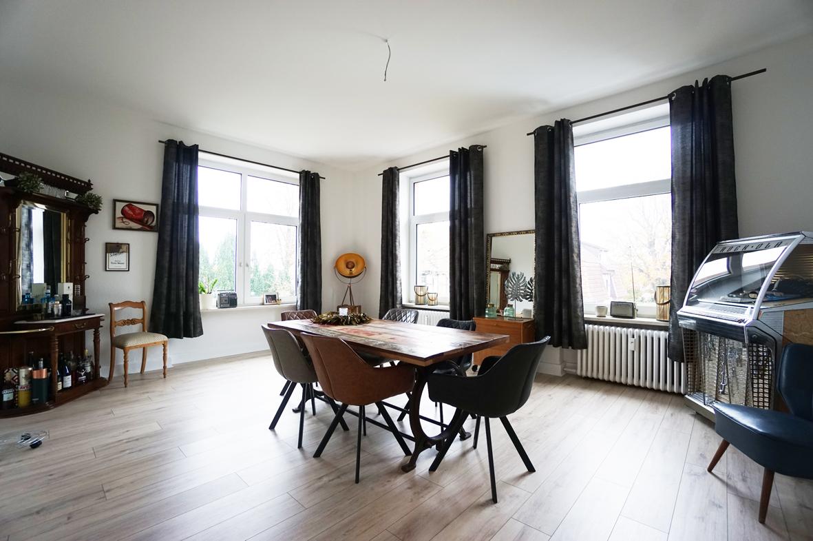 Großzügige Wohnung in Villa in Bestlage